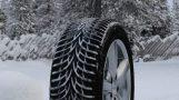 Conduire en hiver : Pneus hiver et équipements spéciaux