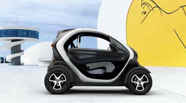 assurance scooter renault twizy casse t te pour les assureurs. Black Bedroom Furniture Sets. Home Design Ideas