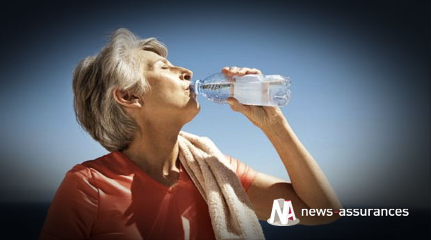 senior-chaleur-eau-canicule-hydratation-vieux