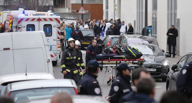Attentats de Paris et Saint-Denis: comment fonctionne l'indemnisation des  victimes ?