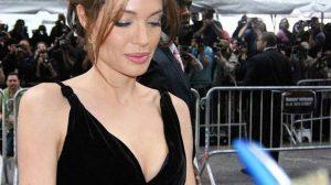 Angelina Jolie : L'ablation préventive des seins est-elle remboursée en France ?