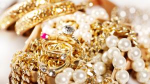 Braquages : Quelles assurances contre les vols de bijoux de luxe ?