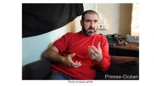 Bancassurance / Buzz : A défaut de révolution, Eric Cantona se contente d'un retrait symbolique