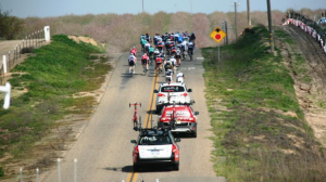 Sport : Comment sont assurés les véhicules suiveurs et ouvreurs en cyclisme?