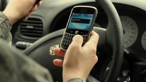 Le smartphone et les jeunes, nouveaux dangers au volant devant l'alcool et la vitesse