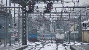 Trafic aérien et ferroviaire perturbés à cause de la neige