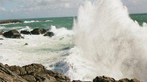 Inondations / Mer : Dangers et formation des vagues-submersion