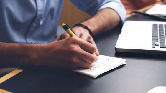 Est-ce que tous mes salariés doivent adhérer à la mutuelle d'entreprise ?