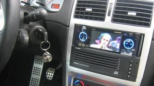 Dossier : Assurer son autoradio, son GPS et ses effets personnels à bord d'un véhicule