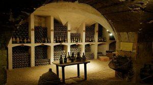 Que faire pour assurer sa cave à vin ?