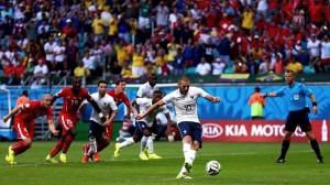 Foot : Pourquoi Karim Benzema risque de payer cher son saut en parachute ?