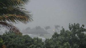 Intempéries : la tempête tropicale Cristobal s'abat sur les Bahamas