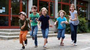 Reportage : L'assurance scolaire face à ses doublons