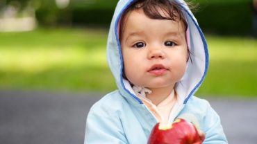Comment mon enfant est-il assuré lorsqu'il est gardé par des proches ?