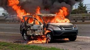 Nouvel An : Les victimes d'incendie de voitures doivent contacter leur assurance