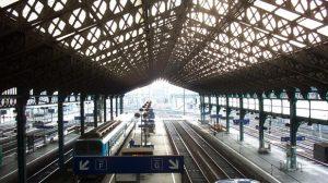 """Réforme retraites / Transports : Un TGV sur deux prévus par la SNCF, trafic """"normal ou quasi normal"""" à la RATP"""