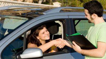 Comment sont assurés les véhicules de location