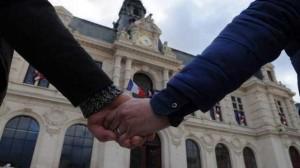 """Ce que le """"mariage pour tous"""" va changer en terme d'assurances"""