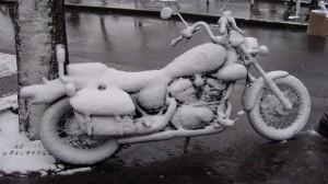Moto, Caravane, Camping Car : Quelle assurance quand ils ne roulent pas l'hiver ?