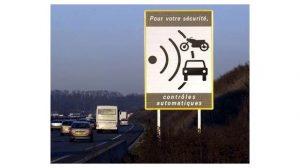 Sécurité Routière : Le premier panneau avertisseur de radar fixe supprimé