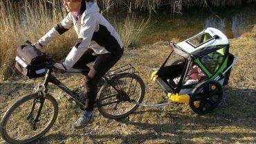 Transporter un enfant à vélo, quelques précautions