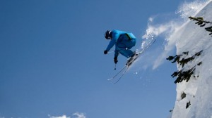 Prévention santé : Adopter les bons réflexes pour skier en toute sérénité