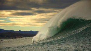 Des vagues de plus de 10 mètres de Saint-Malo à Biarritz