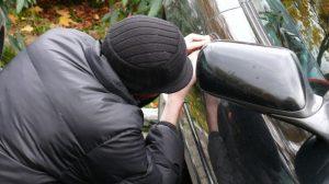 Assurance auto : La Twingo reste la voiture la plus volée de France en 2012